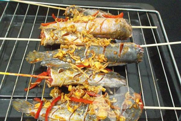 cách làm cá trê nướng sa tế 3