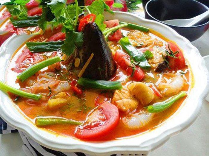 cách làm đầu cá hồi nấu canh chua 1