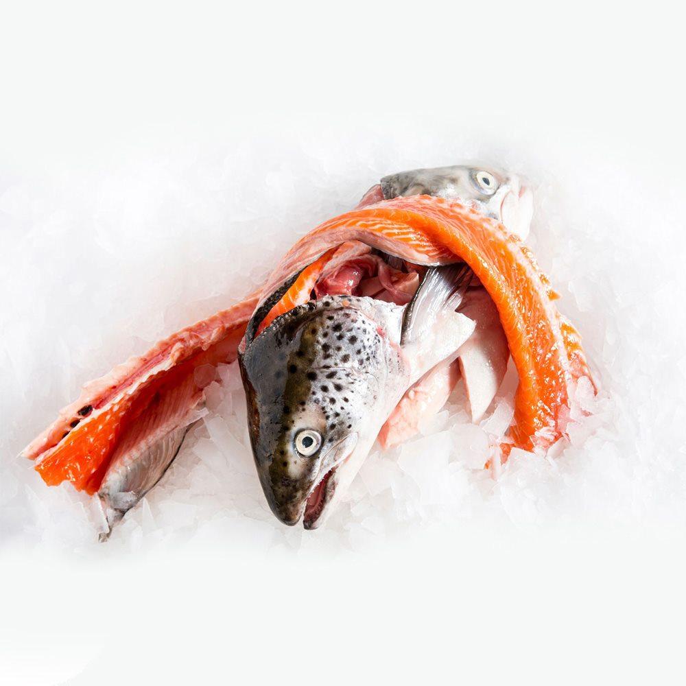 cách làm đầu cá hồi nấu canh chua 2