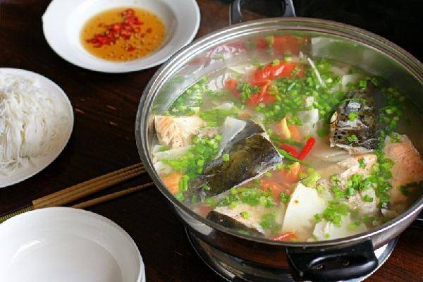 cách làm đầu cá hồi nấu canh chua 3