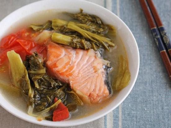 cách làm đầu cá hồi nấu dưa chua 1