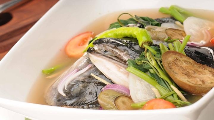 cách làm đầu cá hồi nấu dưa chua 4