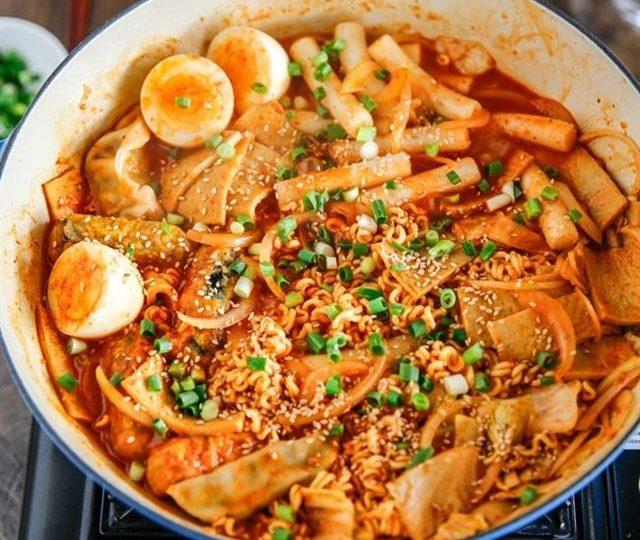 cách làm tokbokki bằng cơm nguội 1