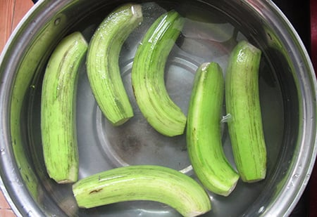 Cách nấu cá trê om chuối đậu 2