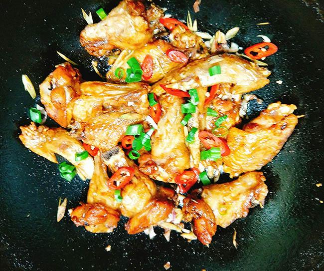 cánh gà xào sả ớt 3