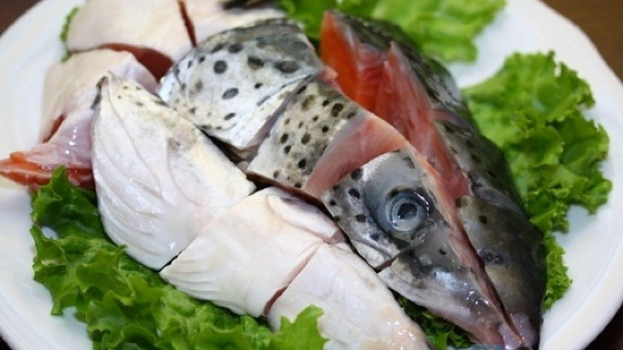 Đầu cá hồi chiên nước mắm 3