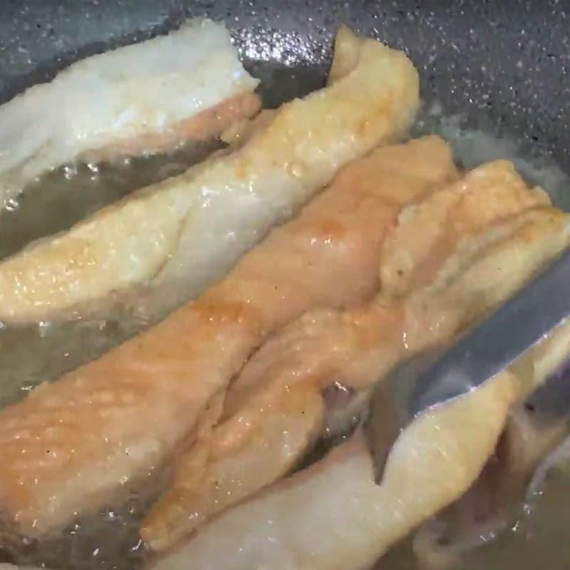 lườn cá hồi chiên nước mắm 5