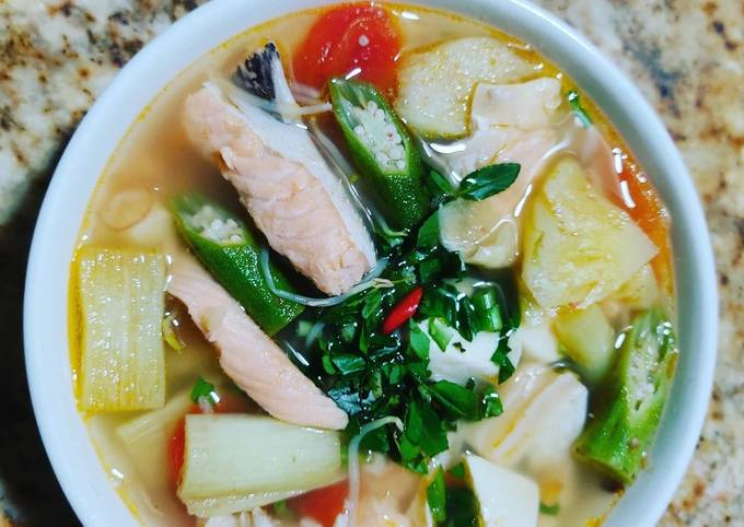 vây cá hồi nấu canh chua 4