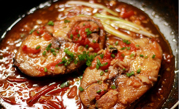 Cá ngừ kho cà 5