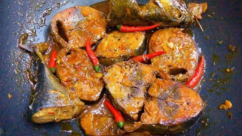 Cá ngừ kho nước dừa 1