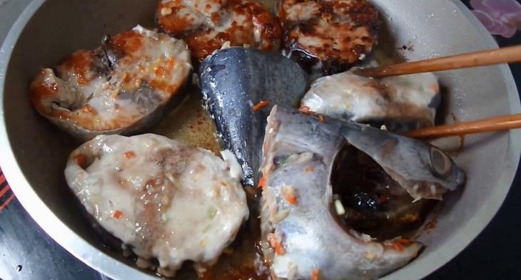Cá ngừ kho nước dừa 4