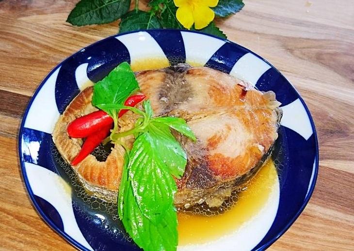 Cá ngừ kho nước dừa 5