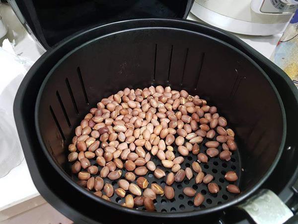 Cách làm đậu phộng rang tỏi ớt 5
