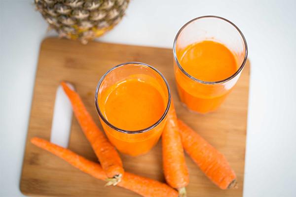 cách làm sinh tố cà rốt dứa 4