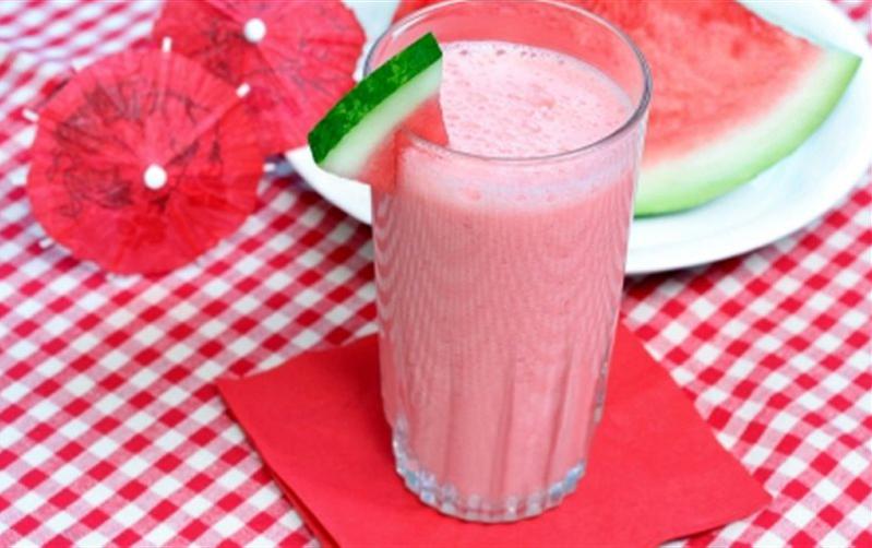 cách làm sinh tố dưa hấu sữa tươi 4