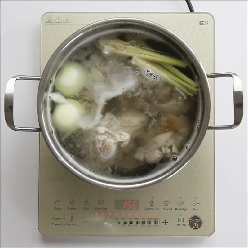Cách nấu bún bò Đà Lạt 8