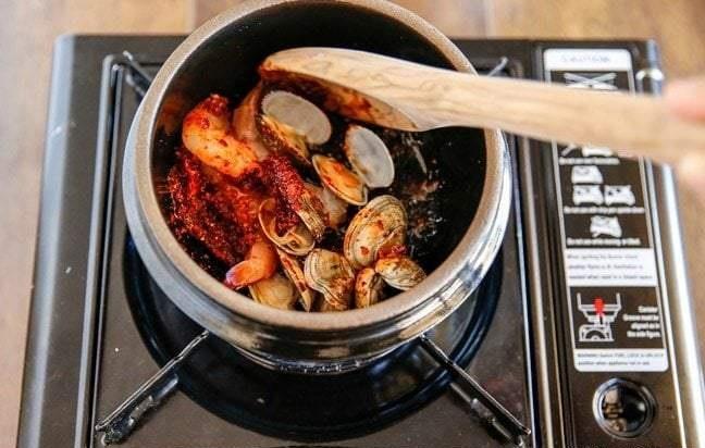 Cách nấu canh đậu hũ non Hàn Quốc 5