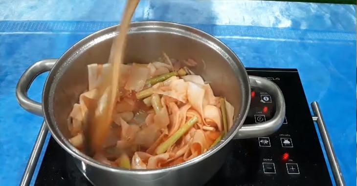Cách nấu lẩu cá bớp 5