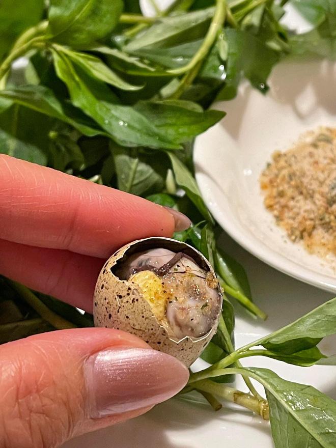 Luộc trứng cút lộn 4
