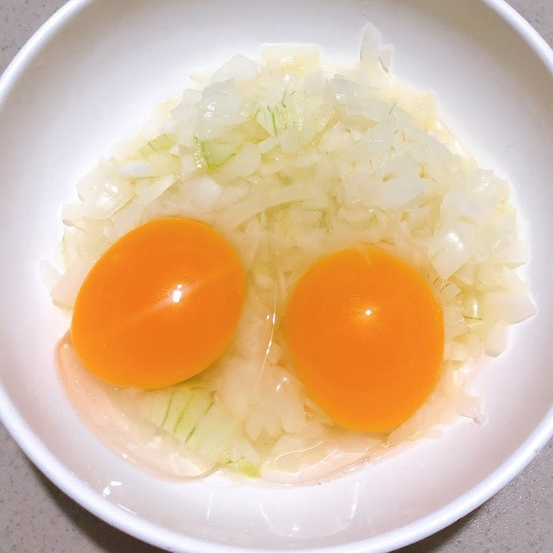 Trứng chiên hành tây 4
