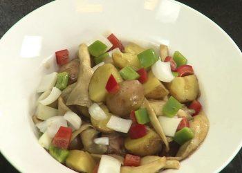 Cách làm khoai tây xào chay 1