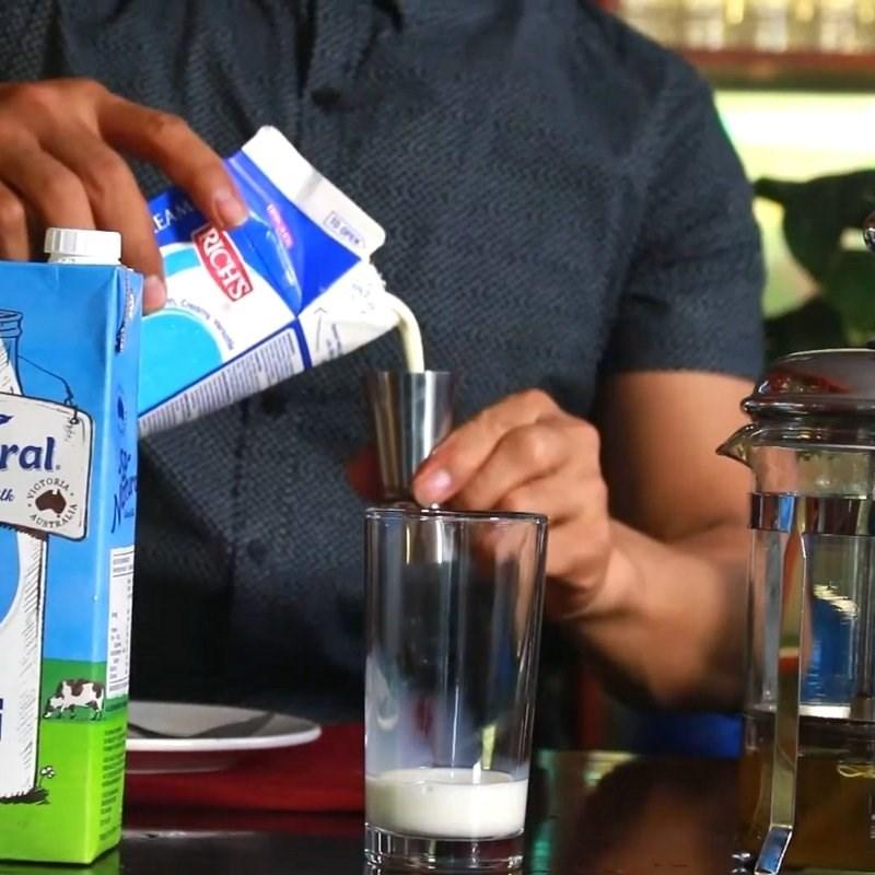 Cách làm trà sữa bạc hà 5