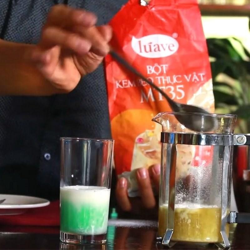 Cách làm trà sữa bạc hà 6