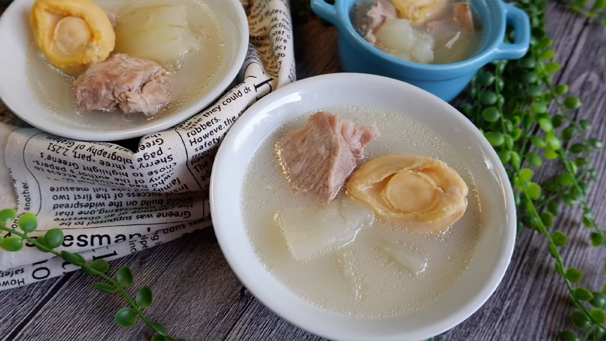 cách nấu súp bào ngư sườn heo bí đao 6