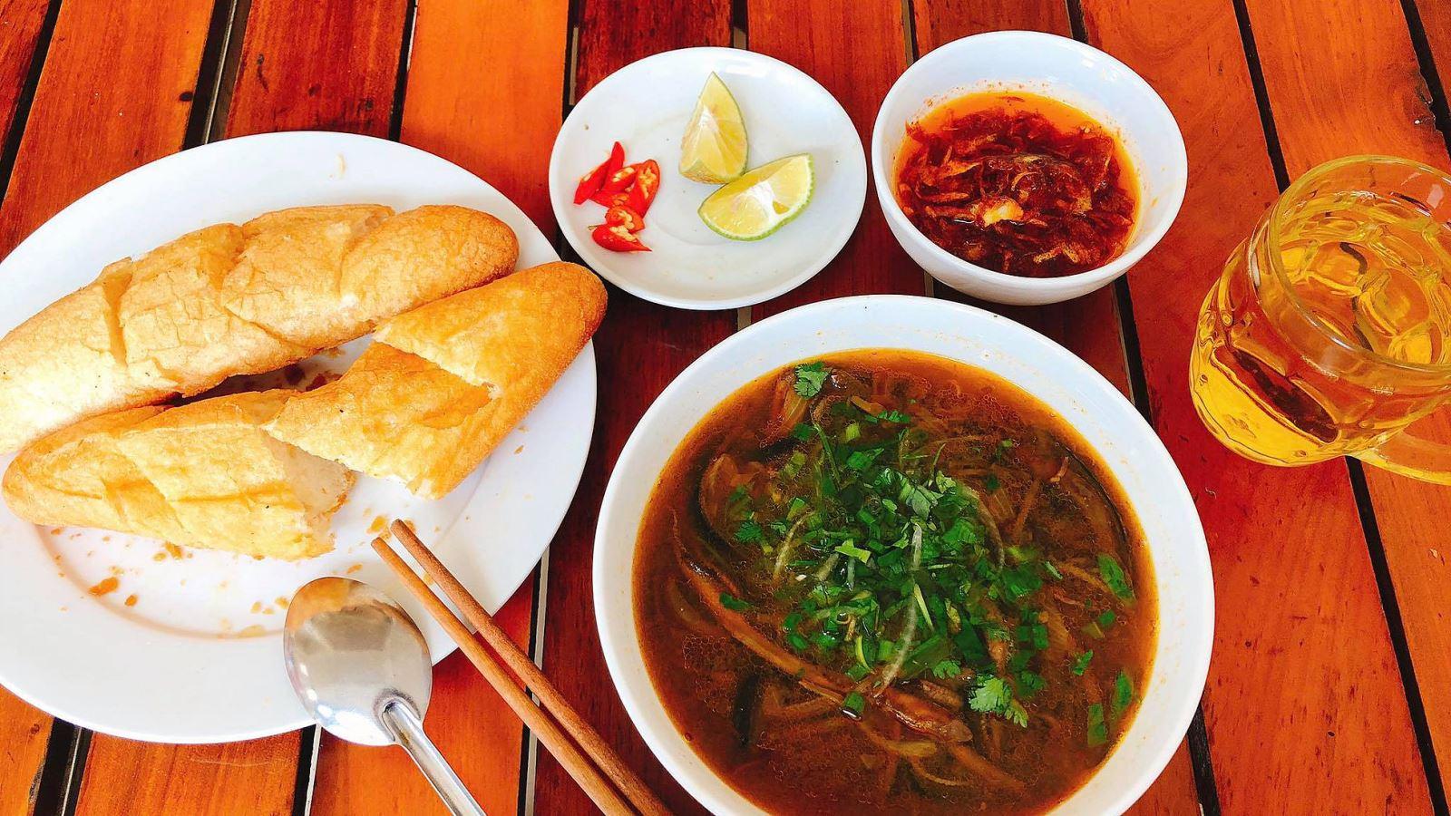 cách nấu súp lươn 12