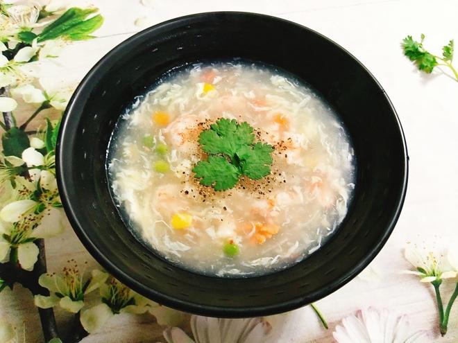 cách nấu súp tôm ngô ngọt 7