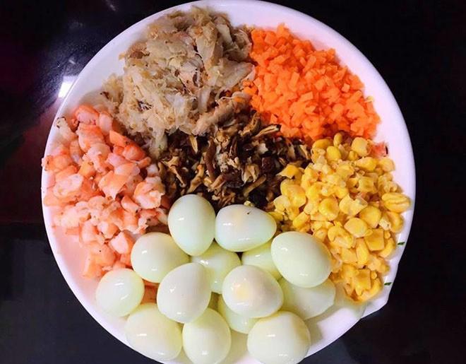 cách nấu súp trứng cút hải sản 1